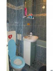 vanzare apartament cu 3 camere, decomandat, in zona Micro 17, orasul Satu Mare