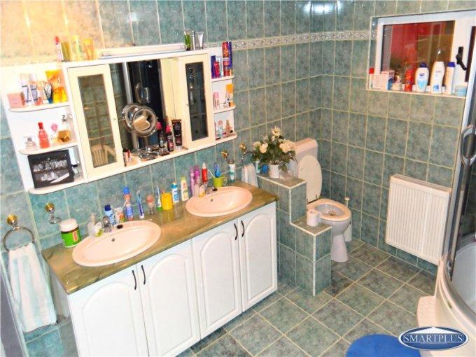 vanzare casa cu 10 camere, zona Titulescu, orasul Satu Mare, suprafata utila 1500 mp