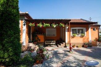 vanzare casa de la agentie imobiliara, cu 3 camere, in zona Lucian Blaga, orasul Satu Mare