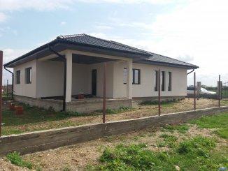 vanzare casa de la agentie imobiliara, cu 4 camere, orasul Satu Mare