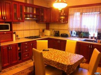 vanzare vila de la agentie imobiliara, cu 1 etaj, 7 camere, in zona 14 Mai, orasul Satu Mare