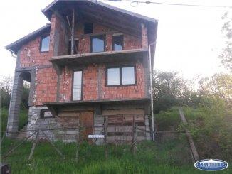 Vila de vanzare cu 1 etaj si 4 camere, Satu Mare