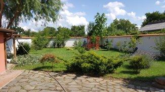 vanzare vila de la agentie imobiliara, cu 1 etaj, 3 camere, in zona Titulescu, orasul Satu Mare