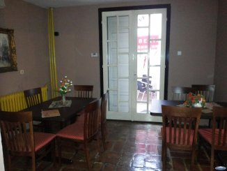 vanzare vila de la agentie imobiliara, cu 2 etaje, 5 camere, in zona Ultracentral, orasul Satu Mare