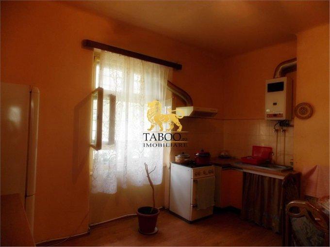 vanzare apartament semidecomandat, orasul Sibiu, suprafata utila 88 mp