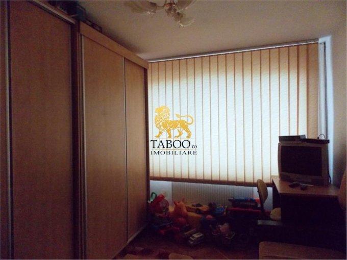 vanzare apartament semidecomandat, zona Mihai Viteazu, orasul Sibiu, suprafata utila 52 mp