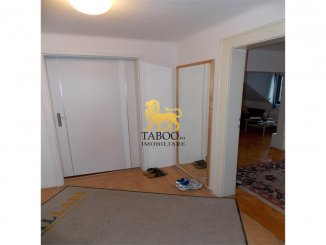 Apartament cu 2 camere de vanzare, confort 1, zona Strand,  Sibiu