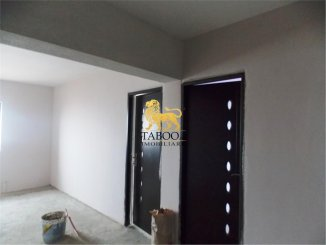 vanzare apartament decomandat, comuna Selimbar, suprafata utila 76 mp