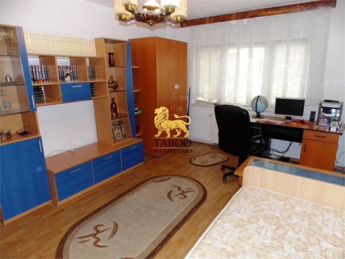 Apartament vanzare Vasile Milea cu 2 camere, etajul 2 / 4, 1 grup sanitar, cu suprafata de 53 mp. Sibiu, zona Vasile Milea.