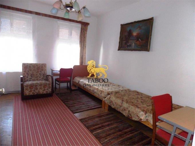 Apartament inchiriere Sibiu 2 camere, suprafata utila 70 mp, 1 grup sanitar. 200 euro. La Parter / 1. Apartament Terezian Sibiu
