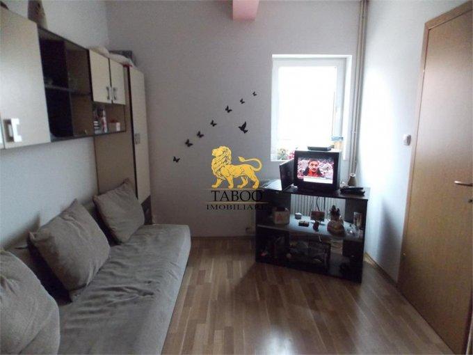 Apartament vanzare Vasile Aaron cu 2 camere, etajul 5 / 5, 1 grup sanitar, cu suprafata de 41 mp. Sibiu, zona Vasile Aaron.