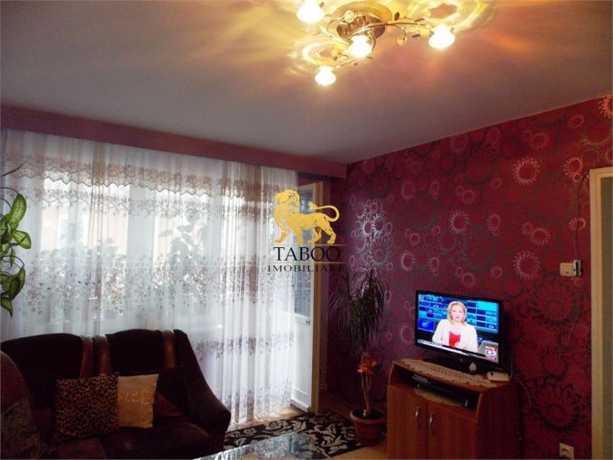 Apartament vanzare Vasile Milea cu 2 camere, etajul 1 / 4, 1 grup sanitar, cu suprafata de 46 mp. Sibiu, zona Vasile Milea.