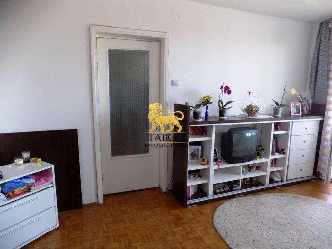 Apartament de vanzare direct de la agentie imobiliara, in Sibiu, in zona Vasile Milea, cu 47.000 euro. 1 grup sanitar, suprafata utila 45 mp.