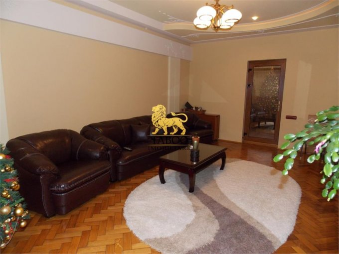 Apartament de vanzare in Sibiu cu 2 camere, cu 2 grupuri sanitare, suprafata utila 80 mp. Pret: 82.000 euro.