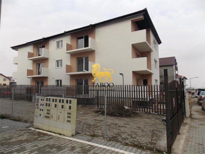 Apartament de vanzare direct de la agentie imobiliara, in Sibiu, in zona Calea Cisnadiei, cu 33.400 euro. 1 grup sanitar, suprafata utila 59 mp.