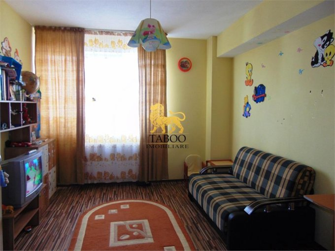 Apartament vanzare Turnisor cu 2 camere, etajul 4 / 4, 1 grup sanitar, cu suprafata de 62 mp. Sibiu, zona Turnisor.
