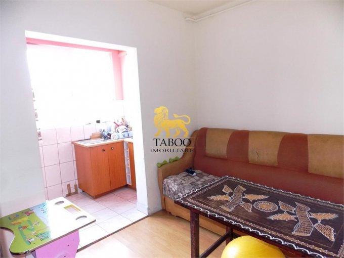 Apartament de vanzare direct de la agentie imobiliara, in Sibiu, in zona Lazaret, cu 26.700 euro. 1 grup sanitar, suprafata utila 34 mp.