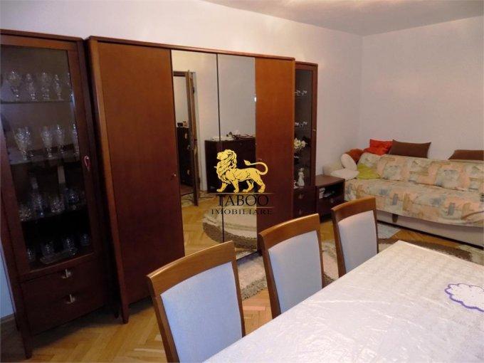 Apartament vanzare Sibiu 2 camere, suprafata utila 50 mp, 1 grup sanitar. 46.000 euro. Etajul 5 / 10. Apartament Vasile Aaron Sibiu