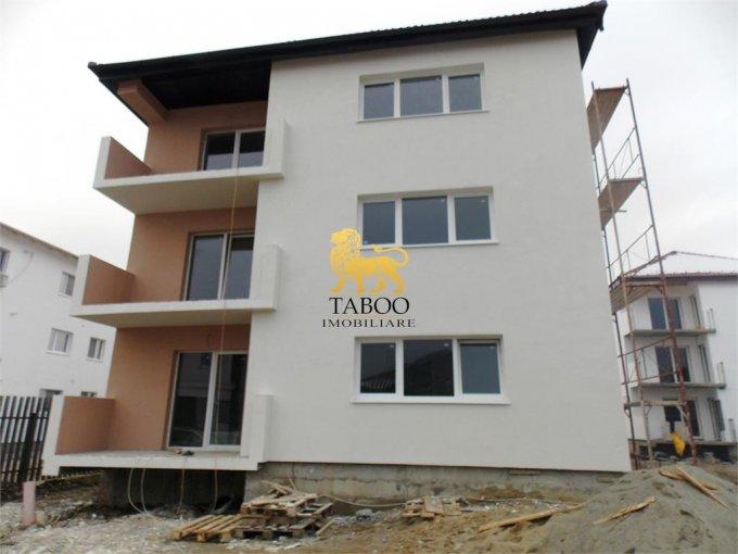 Apartament de vanzare direct de la agentie imobiliara, in Sibiu, in zona Calea Cisnadiei, cu 33.400 euro. 1 grup sanitar, suprafata utila 54 mp.