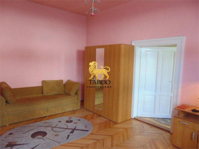 Apartament de inchiriat direct de la agentie imobiliara, in Sibiu, cu 250 euro. 2 grupuri sanitare, suprafata utila 70 mp.
