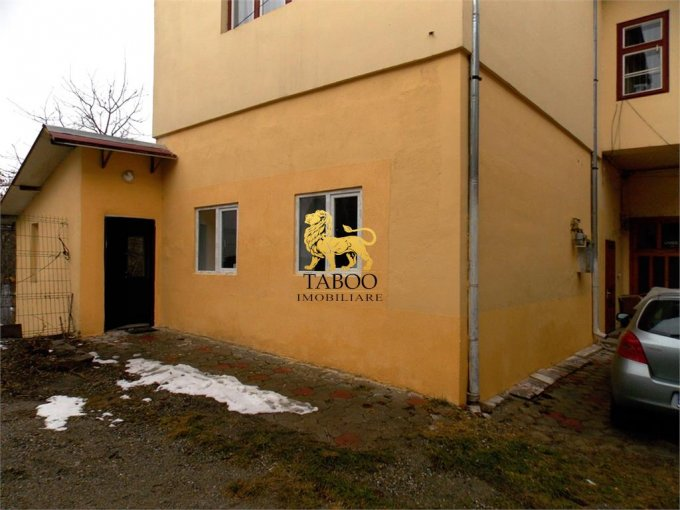 vanzare Apartament Sibiu cu 2 camere, cu 1 grup sanitar, suprafata utila 65 mp. Pret: 57.000 euro.