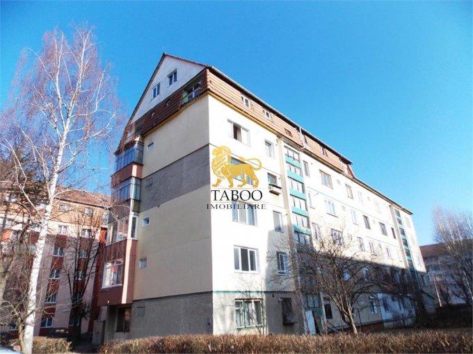 Apartament de vanzare direct de la agentie imobiliara, in Sibiu, cu 35.500 euro. 1 grup sanitar, suprafata utila 61 mp.