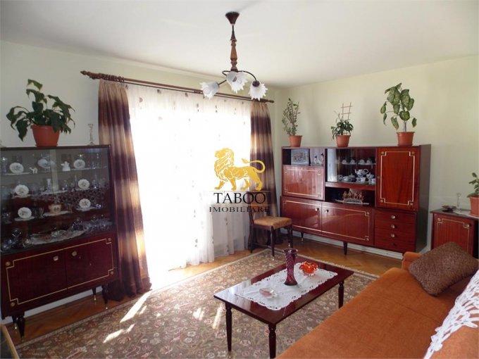 vanzare Apartament Sibiu cu 2 camere, cu 1 grup sanitar, suprafata utila 52 mp. Pret: 39.900 euro.
