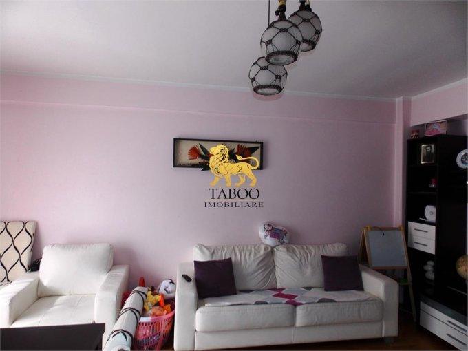 Apartament de vanzare direct de la agentie imobiliara, in Sibiu, in zona Strand, cu 78.000 euro. 1 grup sanitar, suprafata utila 66 mp.