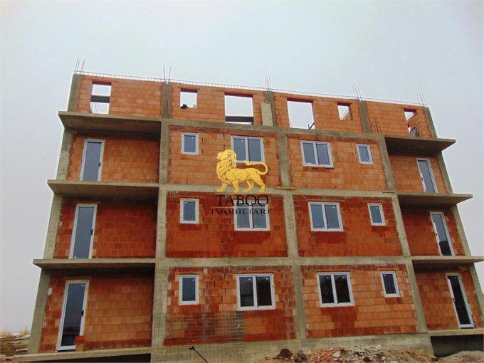 vanzare Apartament Sibiu cu 2 camere, cu 1 grup sanitar, suprafata utila 53 mp. Pret: 35.500 euro.
