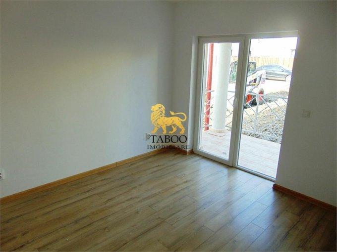 vanzare Apartament Sibiu cu 2 camere, cu 1 grup sanitar, suprafata utila 40 mp. Pret: 36.000 euro.