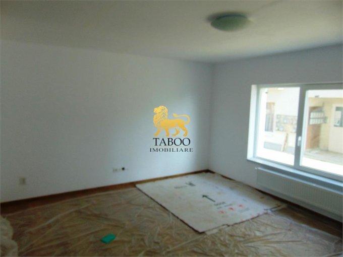 Apartament de inchiriat in Sibiu cu 2 camere, cu 1 grup sanitar, suprafata utila 40 mp. Pret: 250 euro.