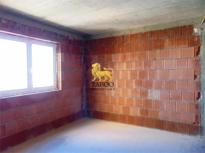 Apartament de vanzare in Sibiu cu 2 camere, cu 1 grup sanitar, suprafata utila 48 mp. Pret: 33.600 euro.