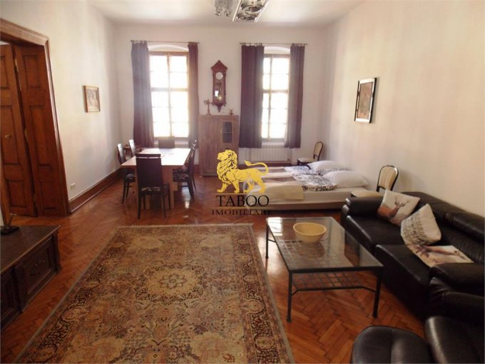Apartament inchiriere cu 2 camere, etajul 1 / 2, 2 grupuri sanitare, cu suprafata de 125 mp. Sibiu.