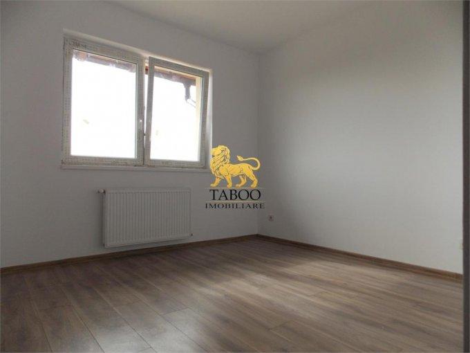 Apartament de vanzare in Sibiu cu 2 camere, cu 1 grup sanitar, suprafata utila 50 mp. Pret: 36.000 euro.