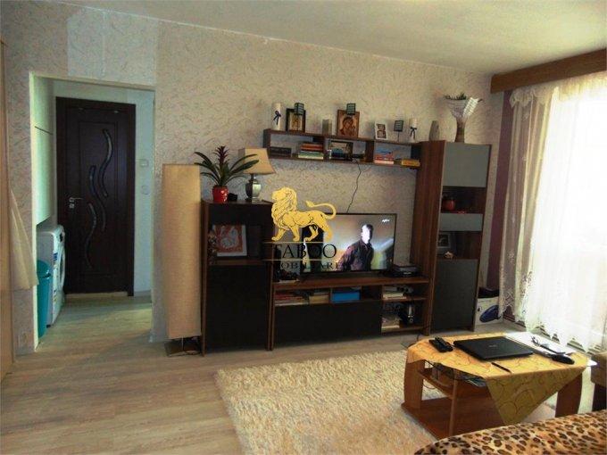 Apartament de vanzare direct de la agentie imobiliara, in Sibiu, in zona Cedonia, cu 44.200 euro. 1 grup sanitar, suprafata utila 52 mp.