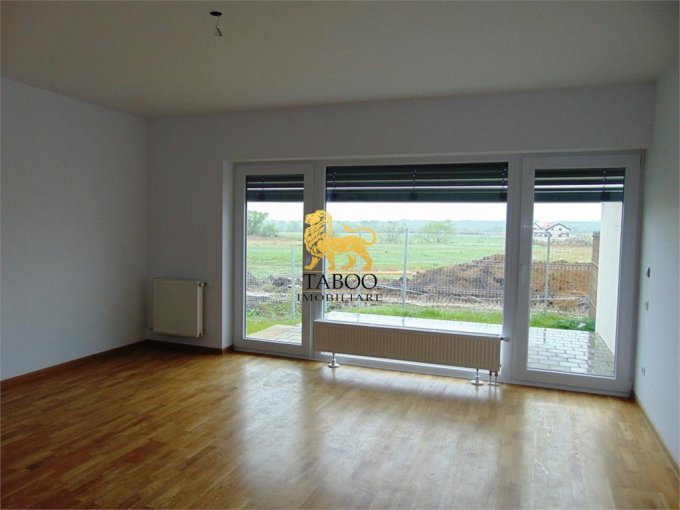 Apartament de vanzare direct de la agentie imobiliara, in Sibiu, in zona Calea Cisnadiei, cu 48.000 euro. 1 grup sanitar, suprafata utila 55 mp.
