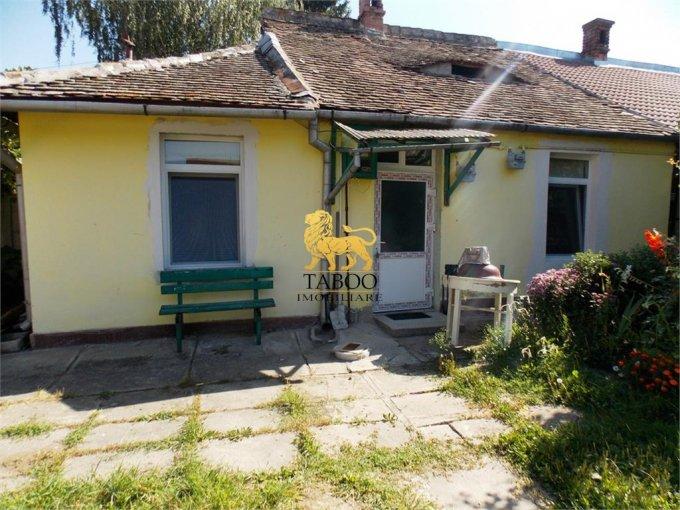 Apartament de vanzare direct de la agentie imobiliara, in Sibiu, in zona Piata Cluj, cu 34.000 euro. 1 grup sanitar, suprafata utila 36 mp.