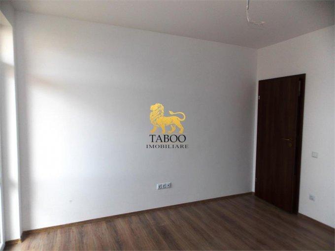 Apartament de vanzare direct de la agentie imobiliara, in Sibiu, in zona Calea Cisnadiei, cu 32.500 euro. 1 grup sanitar, suprafata utila 51 mp.
