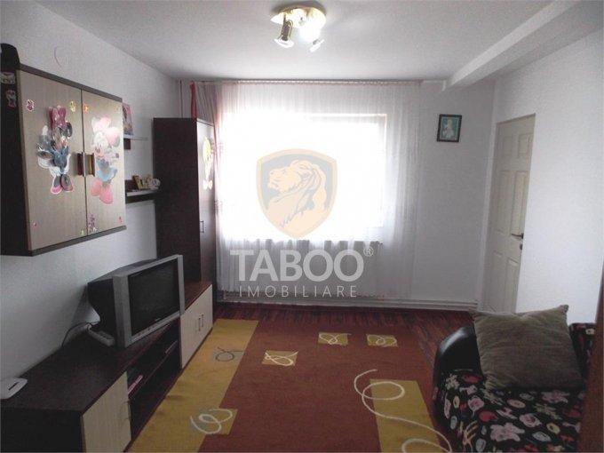 Apartament de vanzare in Sibiu cu 2 camere, cu 1 grup sanitar, suprafata utila 66 mp. Pret: 30.500 euro.