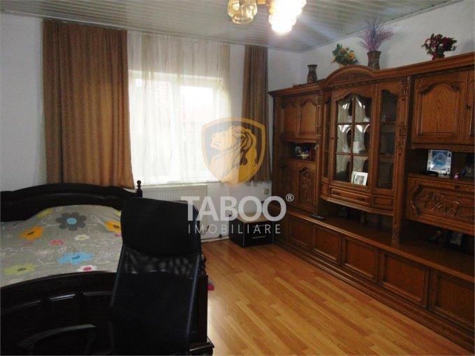 Apartament de vanzare in Cisnadie cu 2 camere, cu 1 grup sanitar, suprafata utila 99 mp. Pret: 45.000 euro.