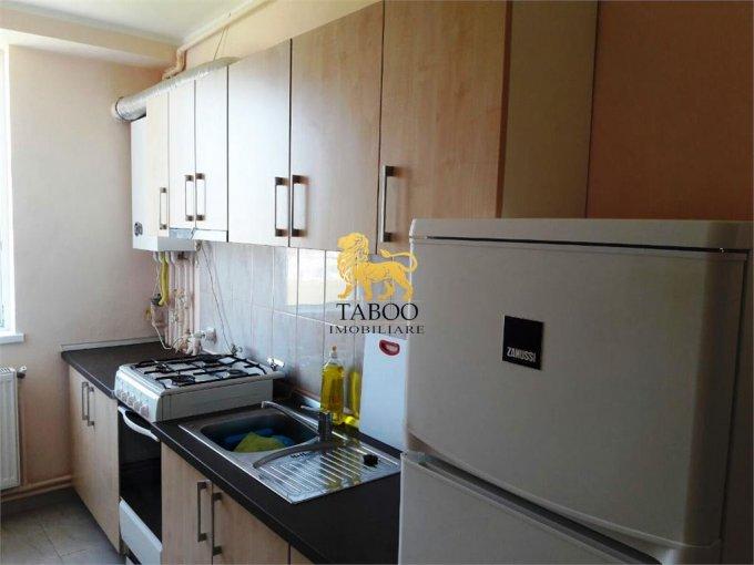 Apartament inchiriere cu 2 camere, etajul 14 / 17, 1 grup sanitar, cu suprafata de 43 mp. Sibiu.