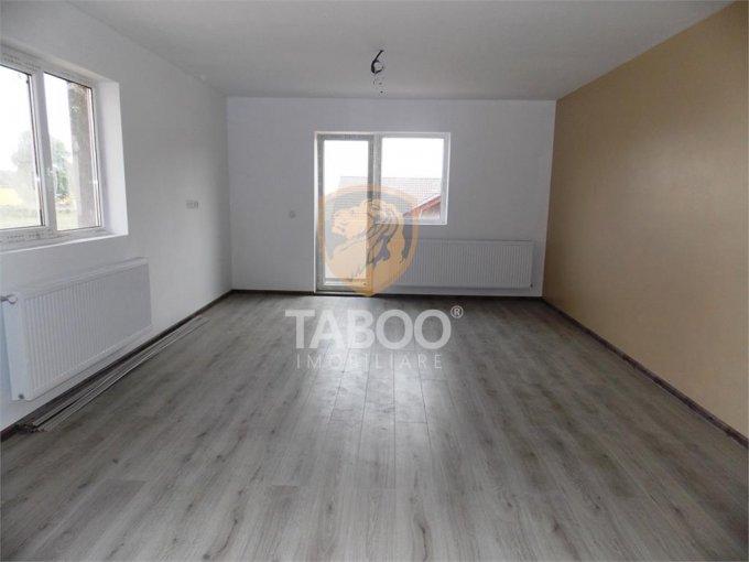 vanzare Apartament Sibiu cu 2 camere, cu 1 grup sanitar, suprafata utila 50 mp. Pret: 42.000 euro.
