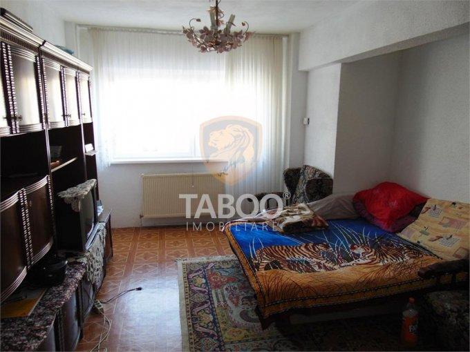 vanzare Apartament Sibiu cu 2 camere, cu 1 grup sanitar, suprafata utila 50 mp. Pret: 54.000 euro.