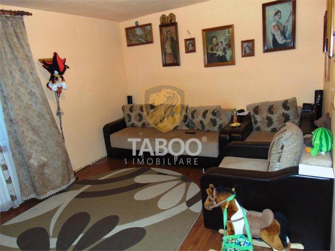 vanzare Apartament Sibiu cu 2 camere, cu 1 grup sanitar, suprafata utila 55 mp. Pret: 53.000 euro.