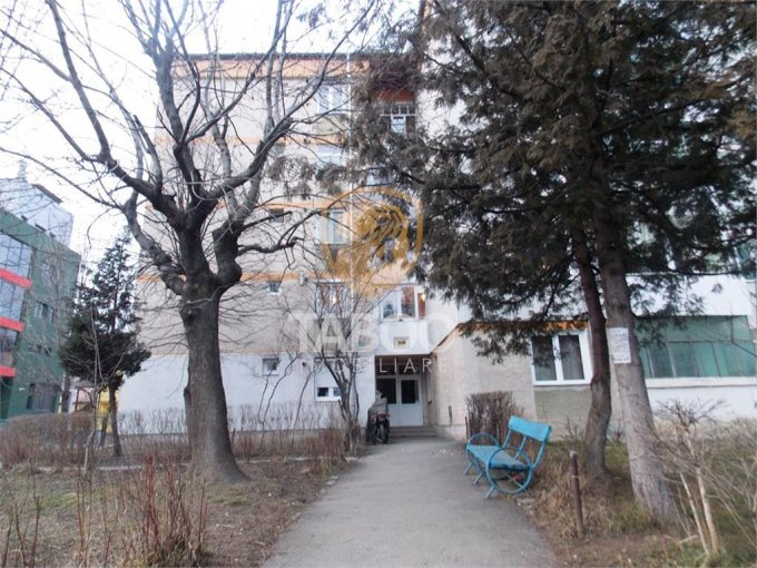 Apartament inchiriere cu 2 camere, la Parter / 4, 4 grupuri sanitare, cu suprafata de 56 mp. Sibiu.