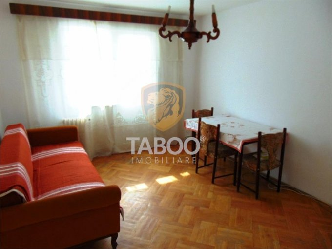 Apartament vanzare Sibiu 2 camere, suprafata utila 50 mp, 1 grup sanitar. 52.900 euro. Etajul 1 / 5. Apartament Calea Dumbravii Sibiu