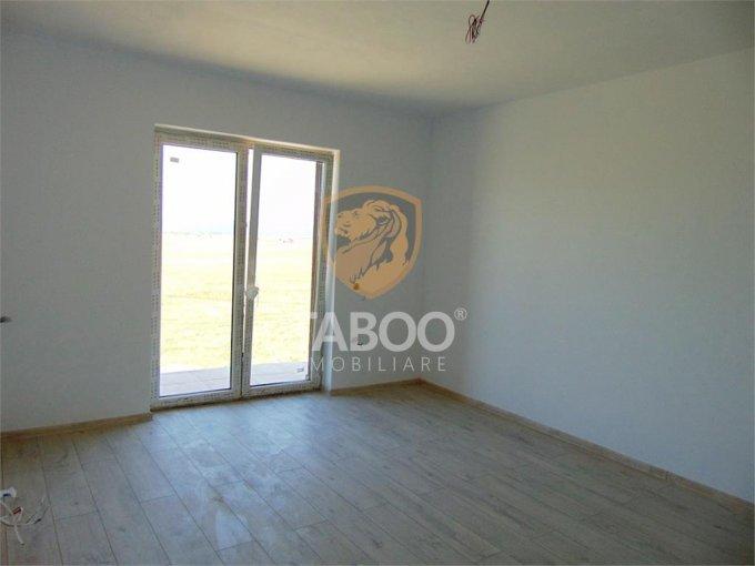 Apartament de vanzare direct de la agentie imobiliara, in Sibiu, in zona Calea Cisnadiei, cu 45.000 euro. 1 grup sanitar, suprafata utila 44 mp.
