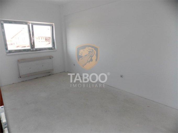 Apartament vanzare Sibiu 2 camere, suprafata utila 52 mp, 1 grup sanitar. 40.900 euro. La Parter / 3. Apartament Calea Cisnadiei Sibiu