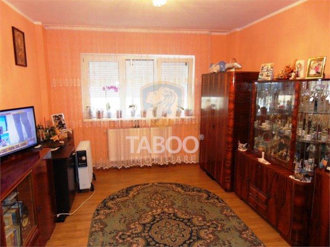 Apartament de vanzare direct de la agentie imobiliara, in Sibiu, in zona Strand, cu 54.990 euro. 1 grup sanitar, suprafata utila 53 mp.