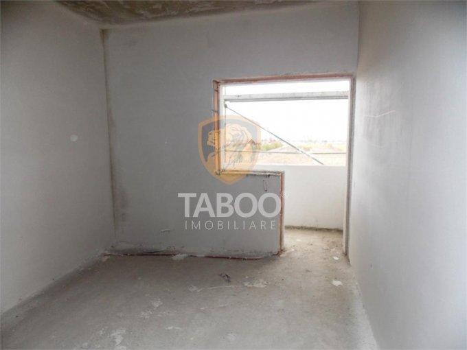 vanzare Apartament Sibiu cu 2 camere, cu 2 grupuri sanitare, suprafata utila 47 mp. Pret: 38.000 euro.